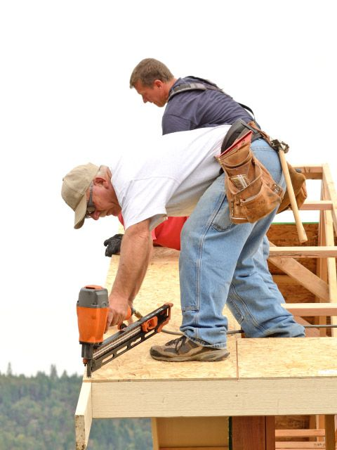 Roofers Working in the Lower Vancouver Island